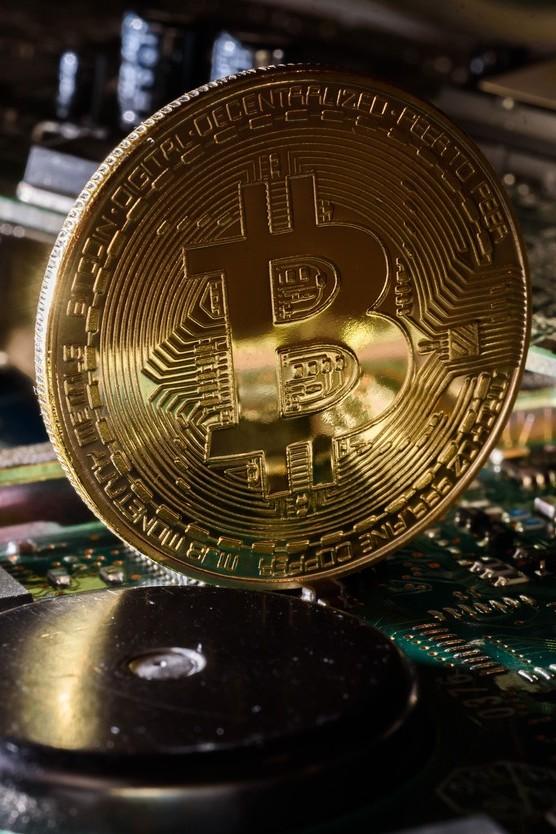 Bondster rozšiřuje nabídku svých úvěrů o investice zajištěné Bitcoinem