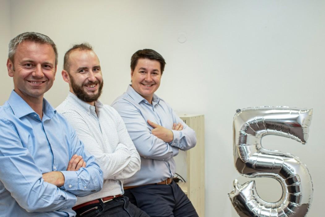 České Enehano specializující se na digitální transformaci firem expanduje na Slovensko